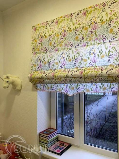 Римские шторы в интерьере детской