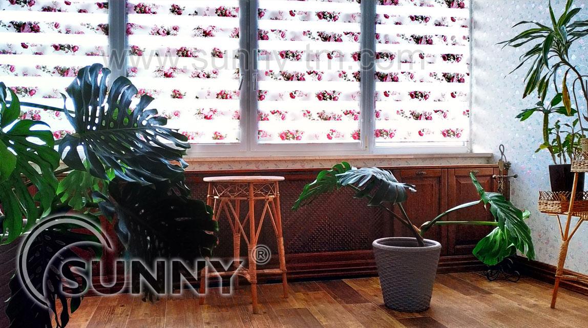 Рулонні штори в інтер'єрі: вибір, фото